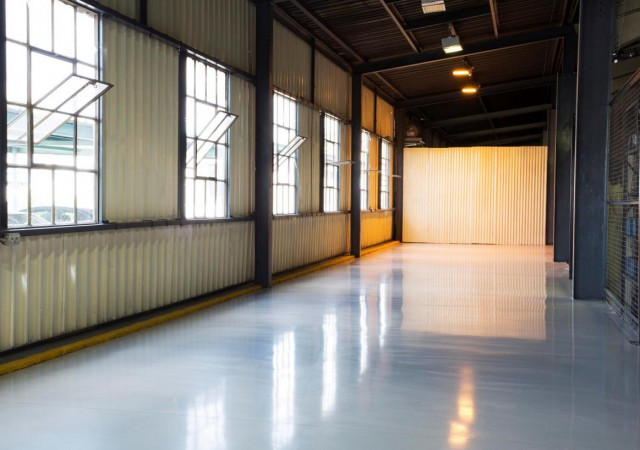 Epoxy and polyurethane flooring
